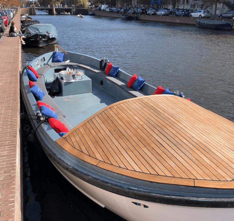 Sloep huren Haarlem | Bedrijfsuitje Haarlem